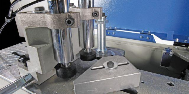fresadora-manual-para-extremos-de-perfiles-de-aluminio-4935